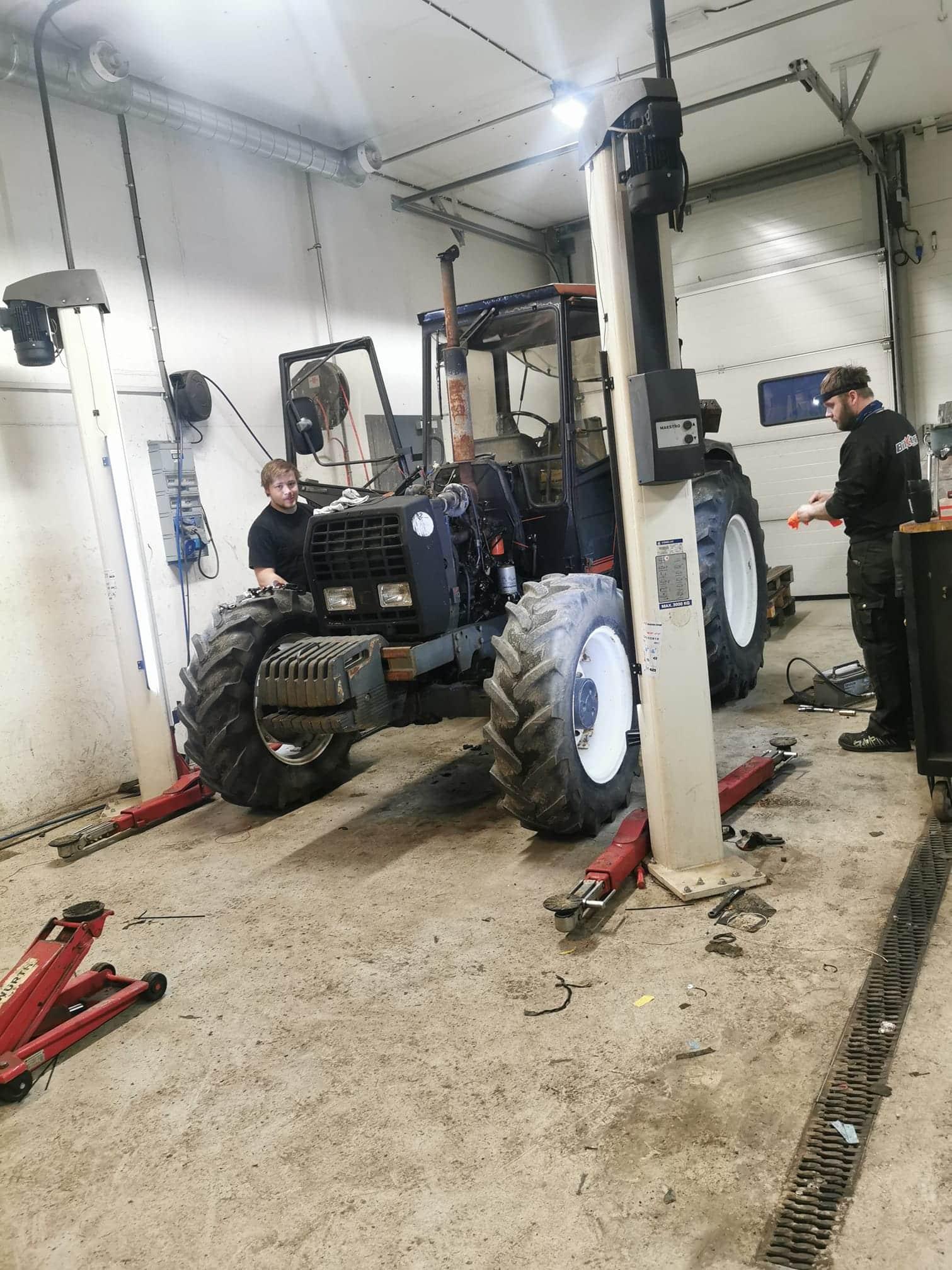 Traktorverksted